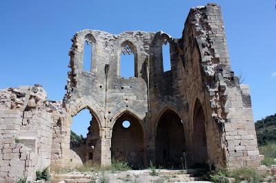 Restos del Monasterio Cistercense de Santa María de Vallsanta