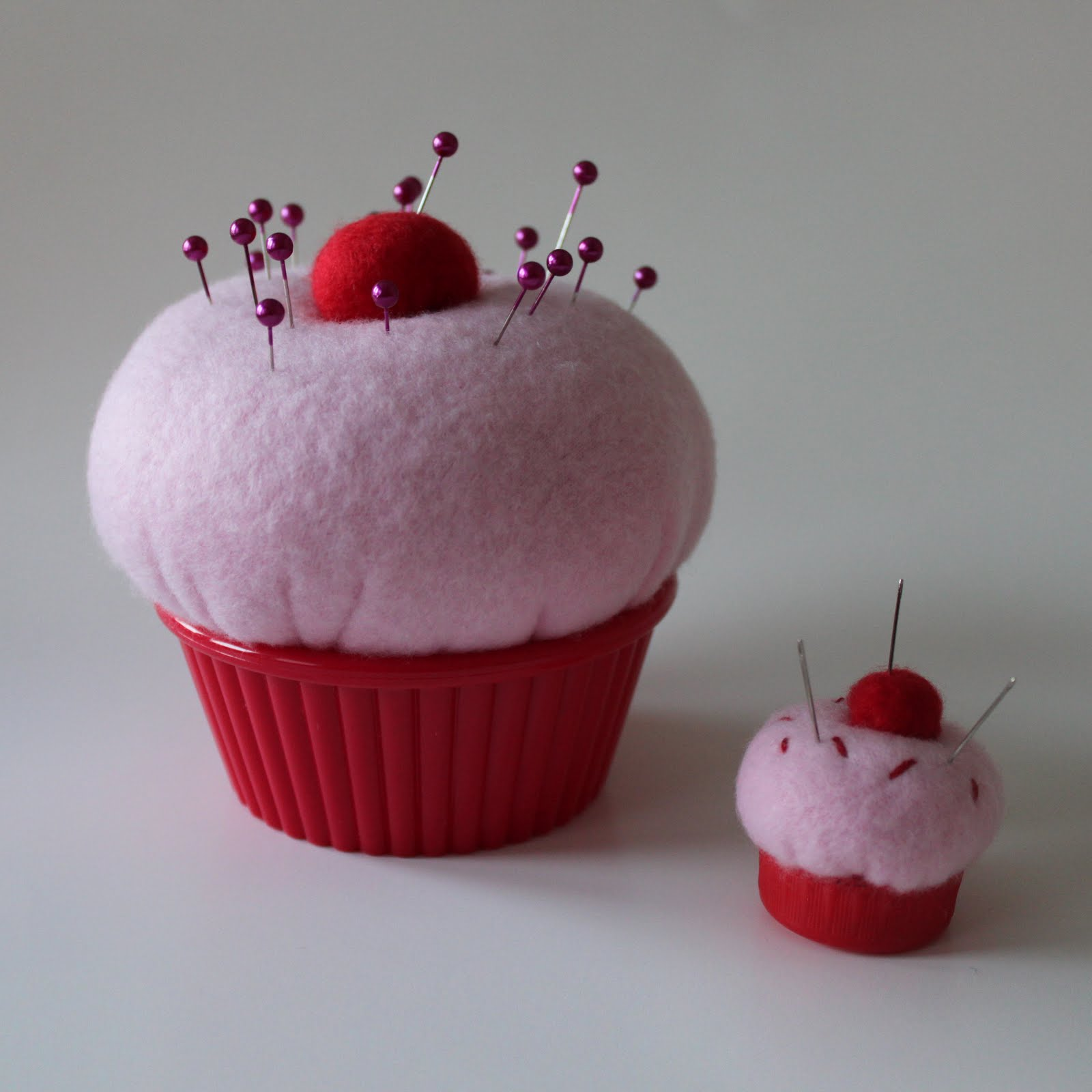 Obsessively Stitching Cupcake Pin Cushions