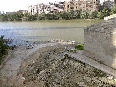 Los cimientos del Puente de Pîedra están descubriendo fallos
