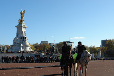 Crowds at the Victoria memorial