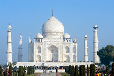The Taj against a clear blue sky