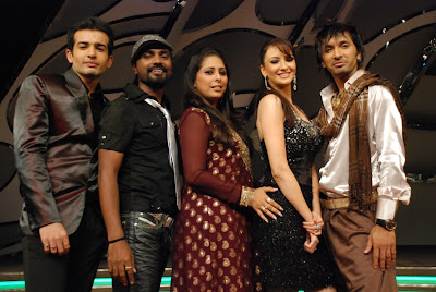 Terence, Geeta, Remo, Jay, and Soumalya on the sets of Dance India Dance on Zee TV
