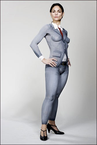 Skin Paint: Naked Business Woman Body Painting