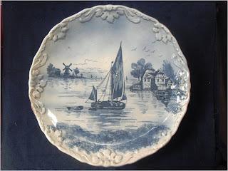 KOLEKSI BARANG ANTIK: Piring Keramik Motif Holland (terjual)