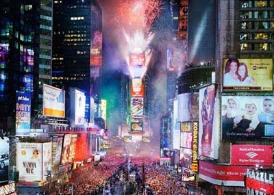 Computer Wallpaper  Year 2012 on Wide Screen New Year S Eve In Times Square Wallpaper For You Computer