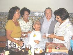 Até Religosa compareceu à festa de anversário dos 89 anos de Frei Eduardo.