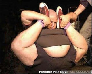 medium_normal_contorsionniste-obese.jpg