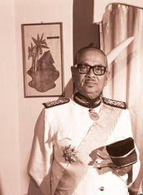 Payung Mahkota Dirgahayu Raja Melayu Yam Almarhum Tunku Abdul Rahman Putra Al Haj Ibni Almarhum Sultan Abdul Hamid Shah Bapa Kemerdekaan