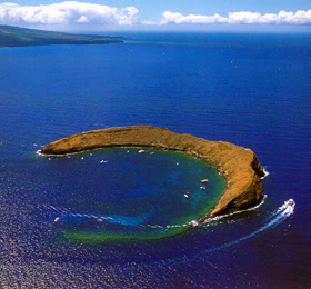 snorkel molokini island maui hawaii