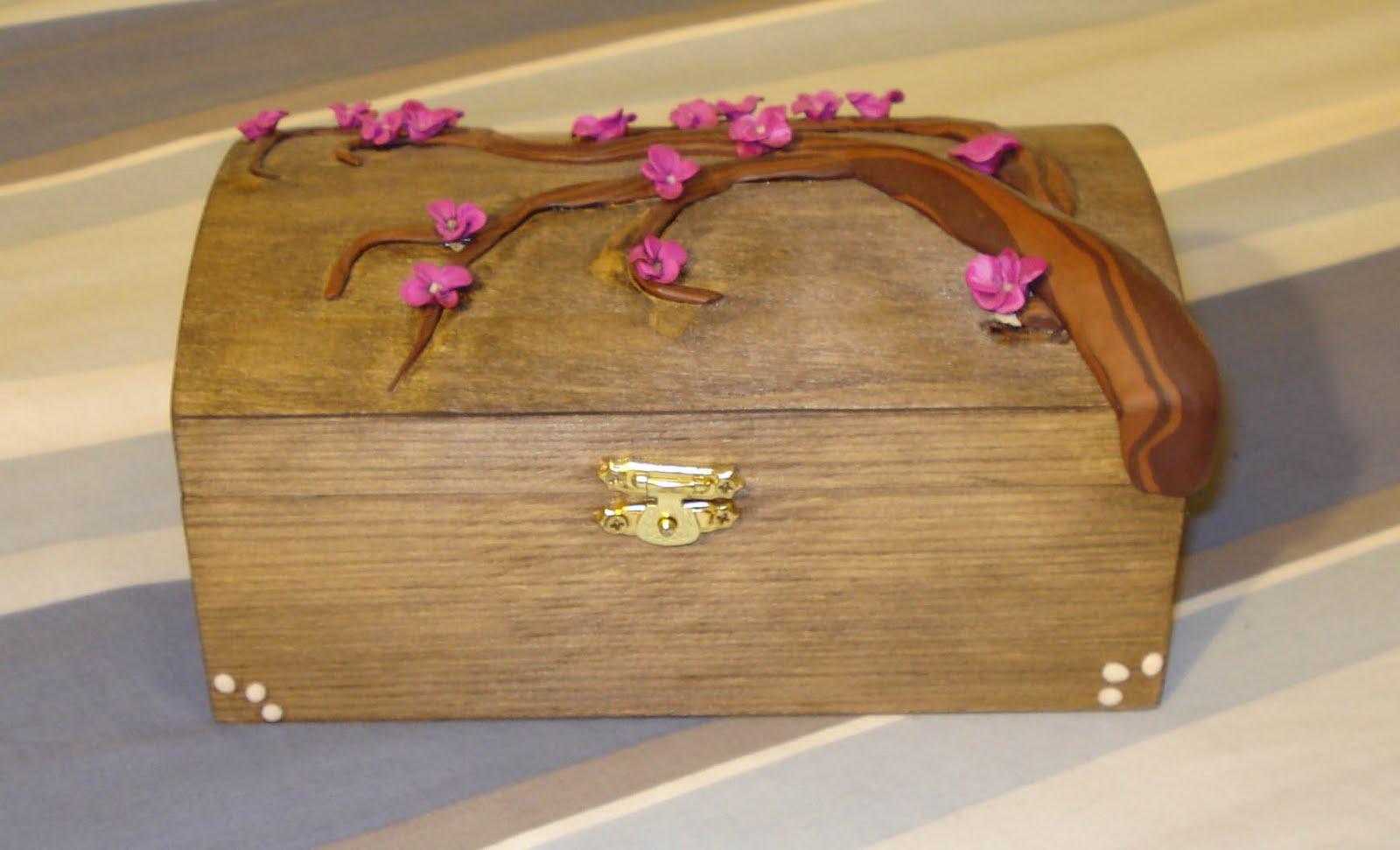 Manualidades y otros entretenimientos cofre con rama de - Manualidades cajas madera ...