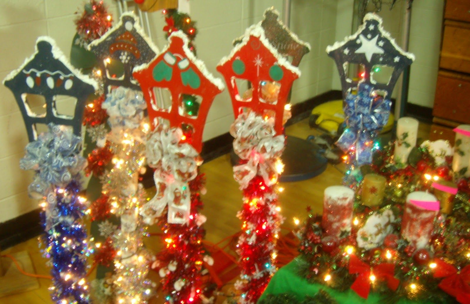 Christmas Craft Sale Ideas http://aberdeennjlife.blogspot.com/2010/11/2010-jolly-mouse-craft-show-well.html