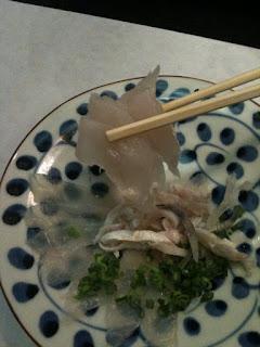 越谷駅近くの料亭でふぐコース食べてます