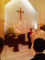 嫁のいとこの結婚式に出席して賛美歌を歌った。