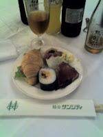 越谷市国際交流協会の交流会での食事。