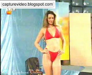 gül gölge kırmızı bikinili