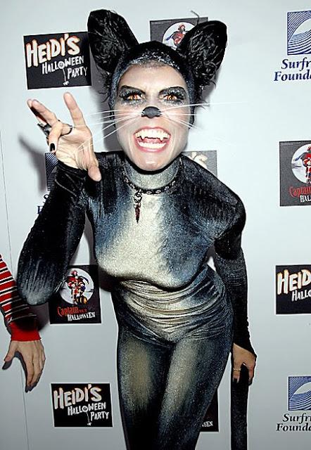 Heidi Klum Knows How To Halloween