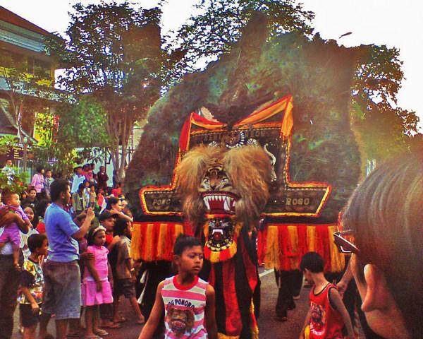 Reog Ponorogo   Lokasi: Jalan Slamet Riyadi, Surakarta