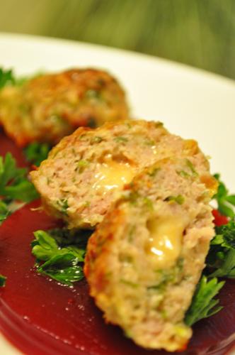 Мясные фрикадельки с сыром