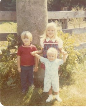 Julie Starts Kindergarten (John, Julie and Susan) 1973