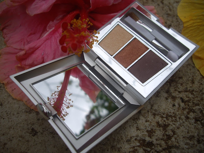 CARING COLORS EYE SHADOW TRIO COMPACT, NEW ROMANTIC