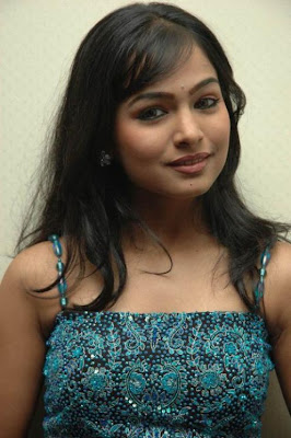 tamil Actress Kalyani poornitha hot photos