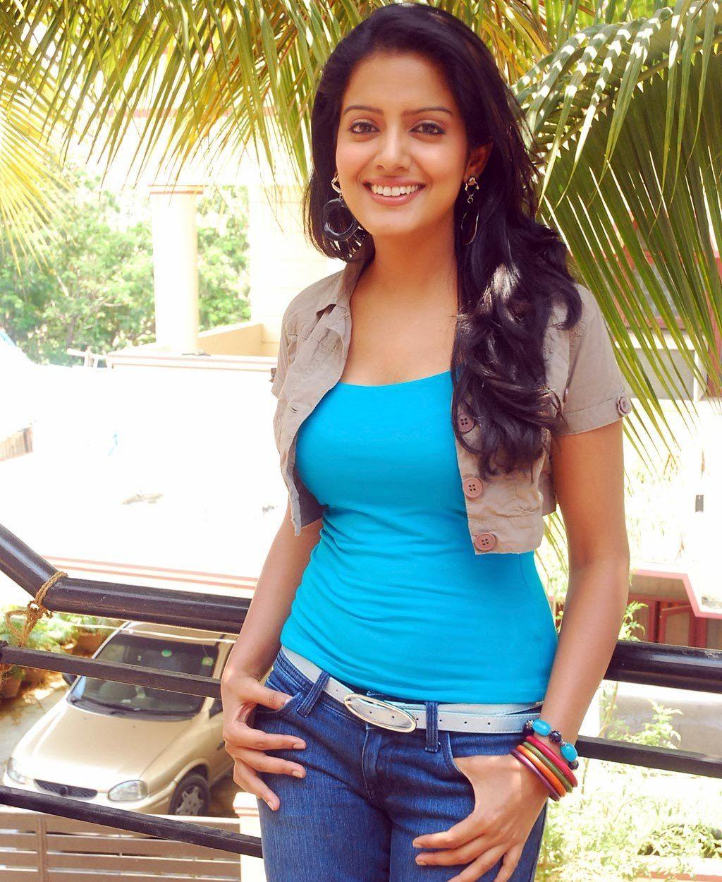 celeb tubes: hot wallpapers cute actress vishaka singh hot photos in