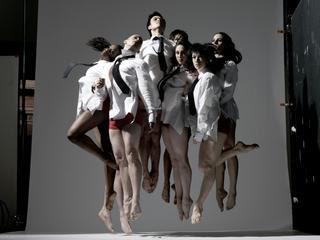 http://3.bp.blogspot.com/_8fNmelNftik/S2z30hc-mAI/AAAAAAAAABA/PfWnIqpZ82w/s400/dance-4-america-modern-dance-ithaca-1002_medium.jpg