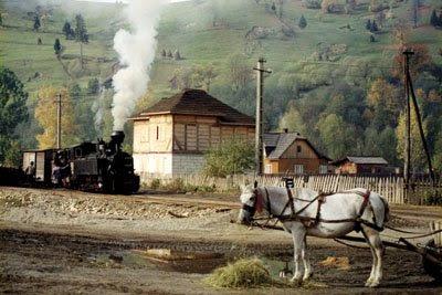Intre 1 si 3 mai 2009 calea ferta forestiera Moldovita este in sarbatoare. Mocanita 764.449 in 1991, pe vremea cand linia functiona in mod regulat pentru productie forestiera | Foto © Jim Ballantyne