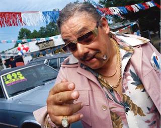 http://3.bp.blogspot.com/_8g2H7adbyAY/SSwMD1mxr4I/AAAAAAAAAtw/dyQyIzGet_s/s320/used_car_salesman.jpg