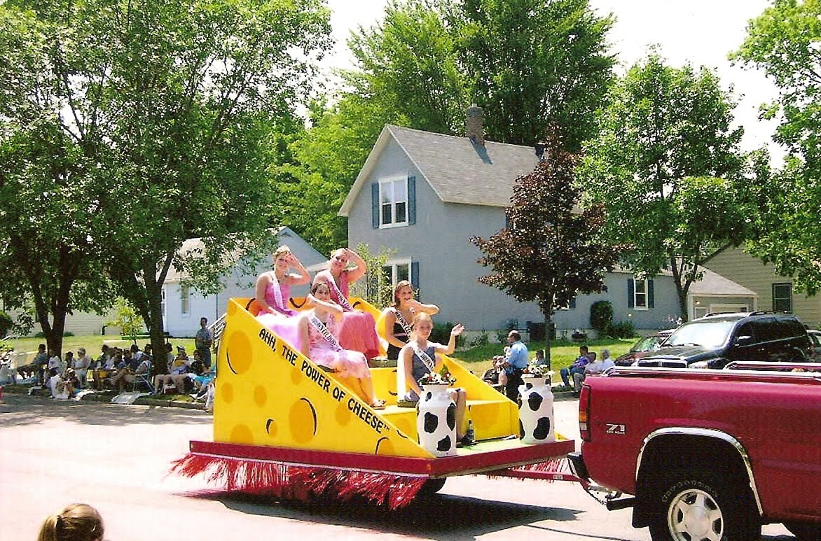 1000 images about dairy princess dairy crafts on for Princess float ideas
