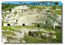 L'Anfiteatro romano? Io lo preferivo così!