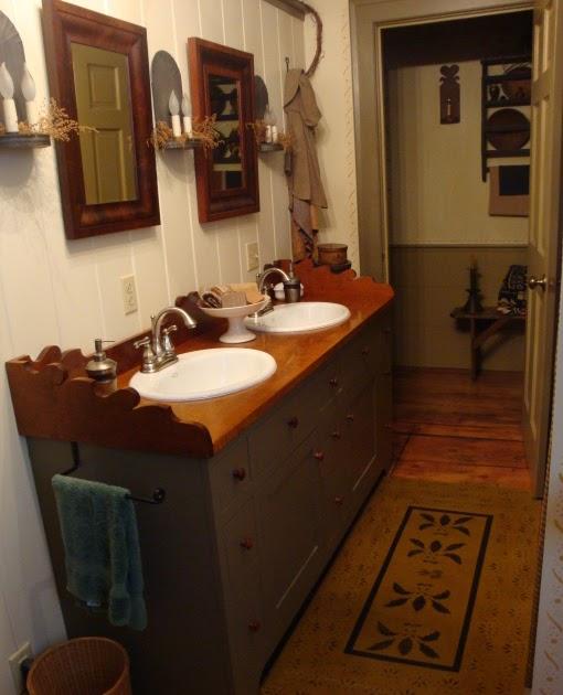 Olde Spoon River Homestead: Primitive Bathroom