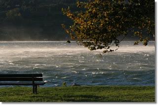 Forte vento sul lago di Pusiano
