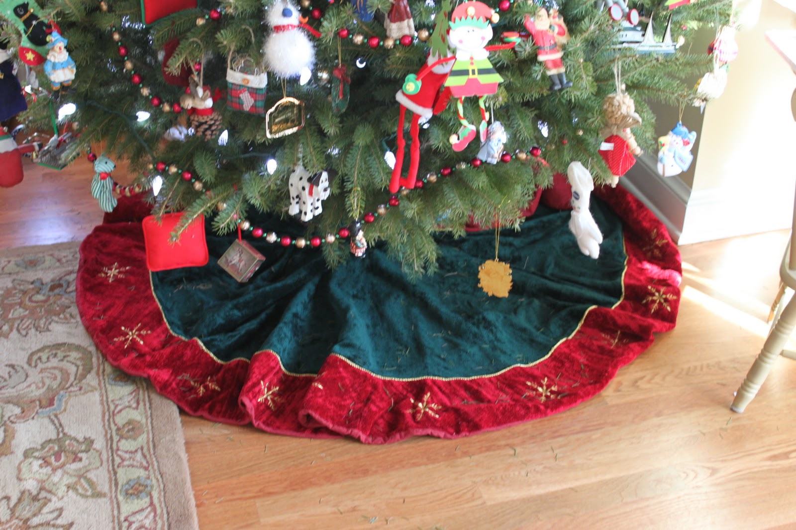 Houseography Holidayography Tree Skirt Alternative