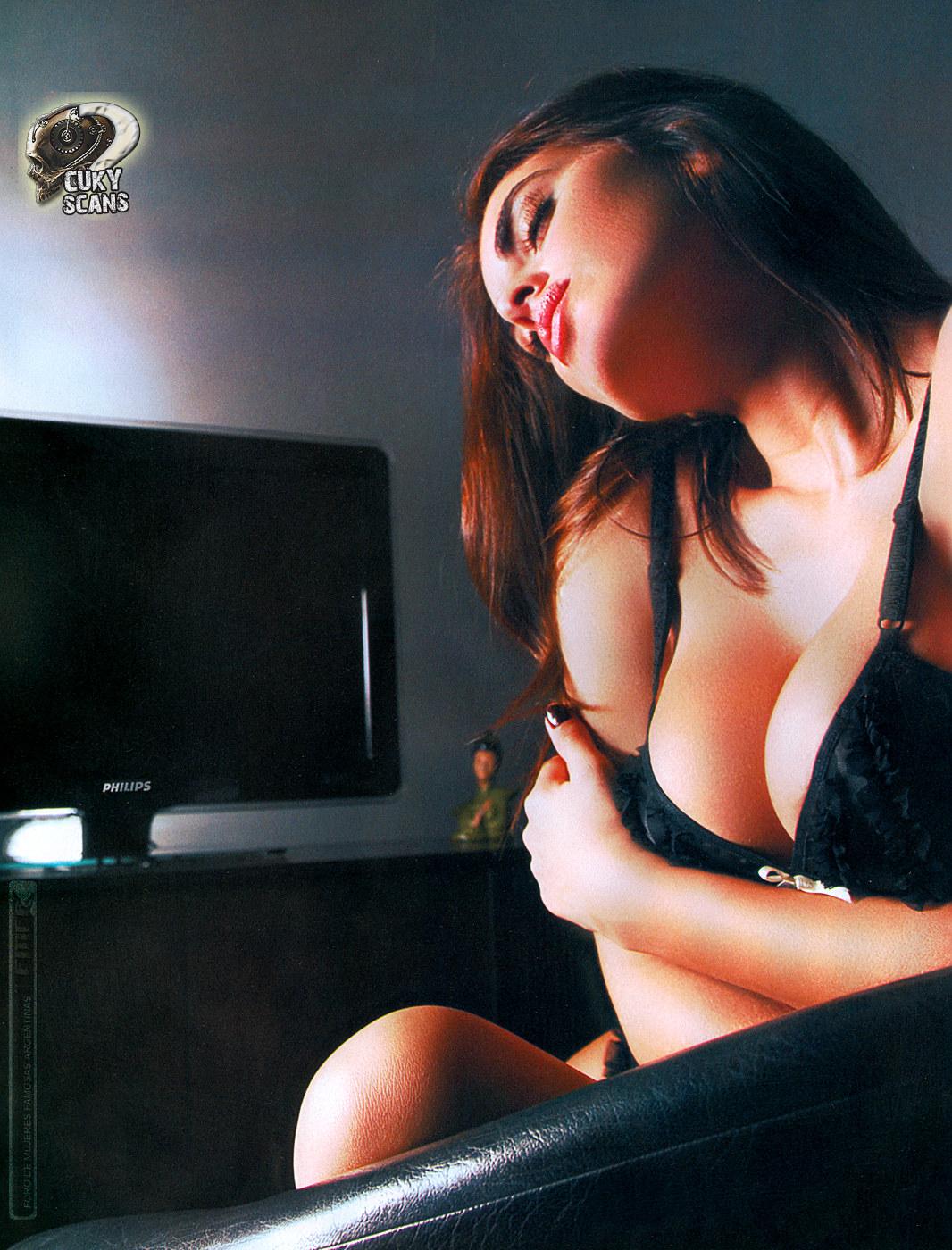 http://3.bp.blogspot.com/_8lmC2ddrRnM/SwyDRSzjv4I/AAAAAAAABqg/XQXmUPHeMSI/s1600/Silvina+Luna4.JPG