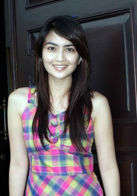 House Horny: Ida Ayu Kadek Devi Beautiful Actress Indonesia