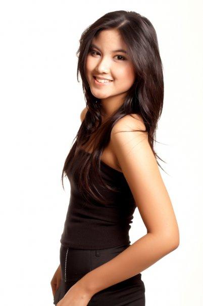Memek Zivanna Letisha in Miss Universe 2009