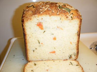 Celiac Underground: Tomato Basil Parmesan Bread
