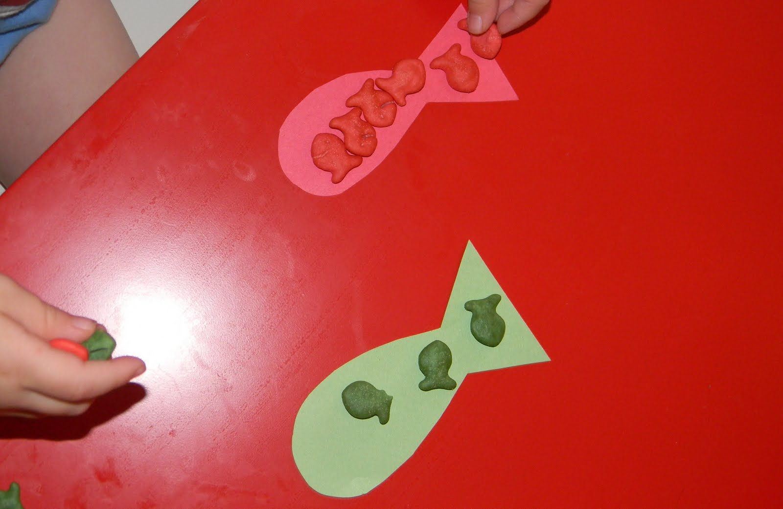 Having Fun Learning with My Tots: Gold Fish Sorting