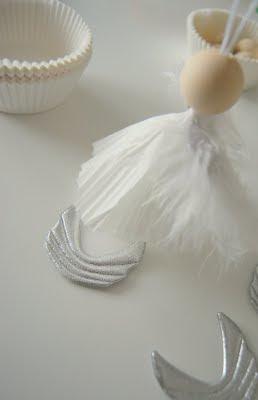 دمية صغيرة من ورق الخبز اعمال فنية صغيرة اشغال يدوية