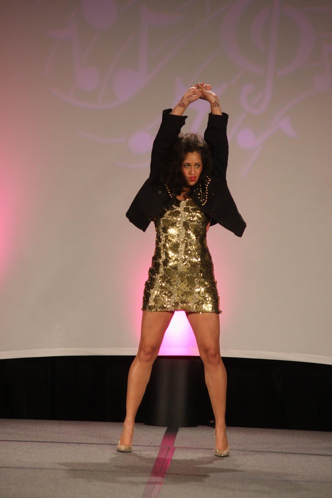http://3.bp.blogspot.com/_8sEE3QQ02E8/TNR3KKhs8RI/AAAAAAAABT8/U-9i0mP7ZtY/s1600/Tina_Turner_1.JPG