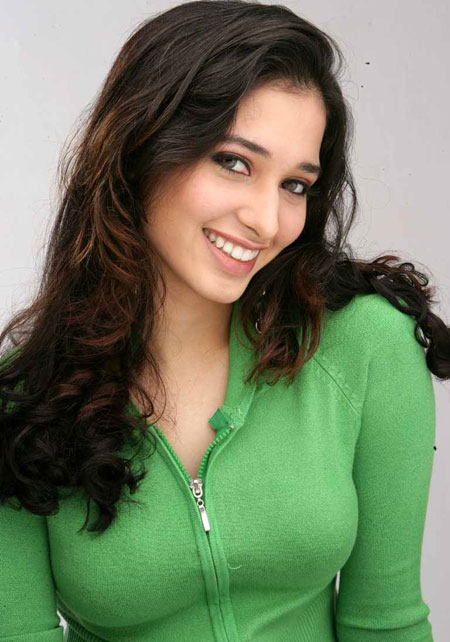 Tamanna Bhatia Latest Hot