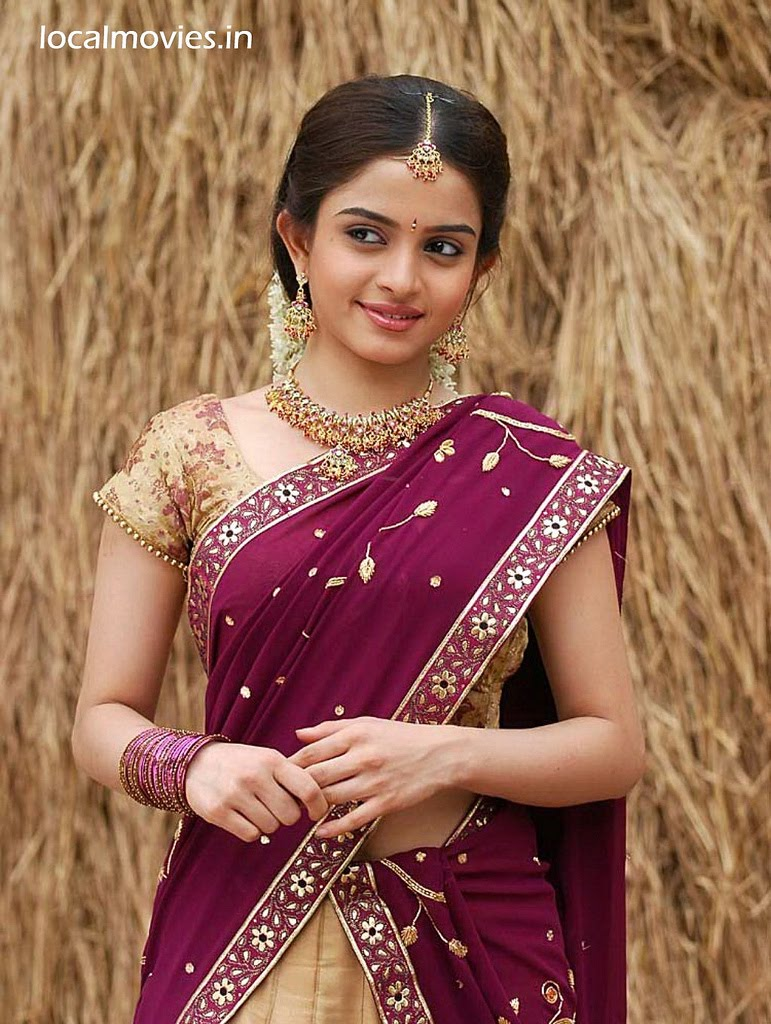 we(v) like girls: cute sheena shahabadi with half saree