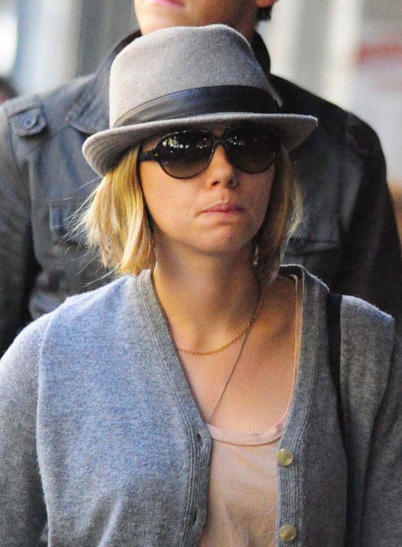 Scarlett Johansson Street Style