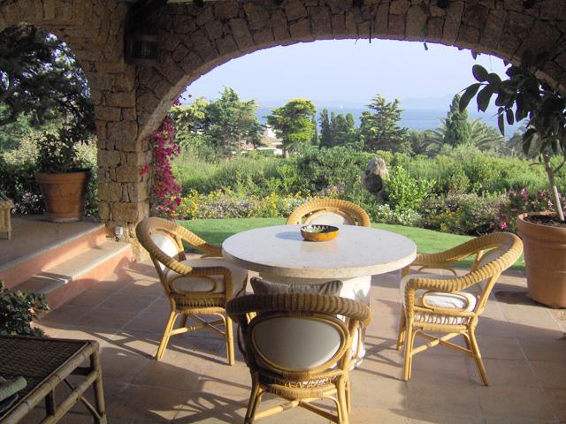 Country soggiorno all 39 aperto for Soggiorno country