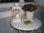 Syksyn pimeisiin iltoihin kynttilän valoa.
