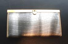 A 1051 - Snake skin purse (grey)