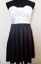 A 1191 - Black/white tube dress, fits size S,M
