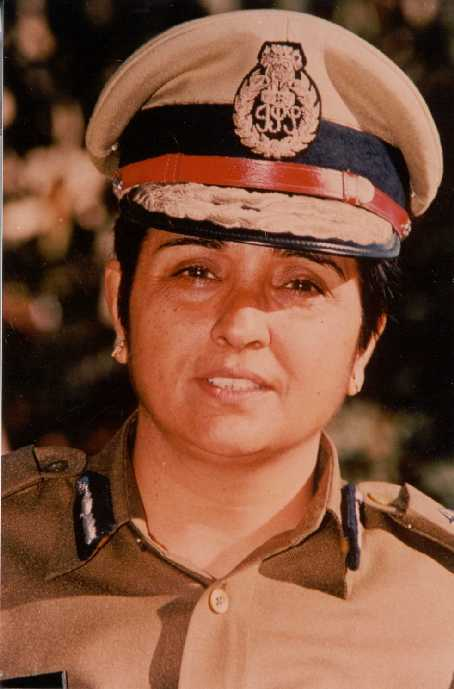 kiran bedi Kiran bedi was an outstanding student, no doubt, but she was also a great civil servant since young, her efforts were diverted towards uplifting the society to realise her dream, she.