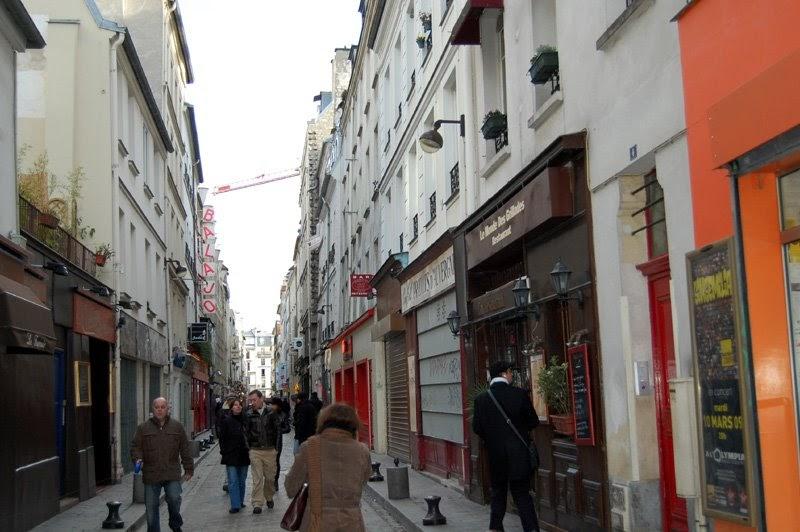 rue nu dominatrice paris